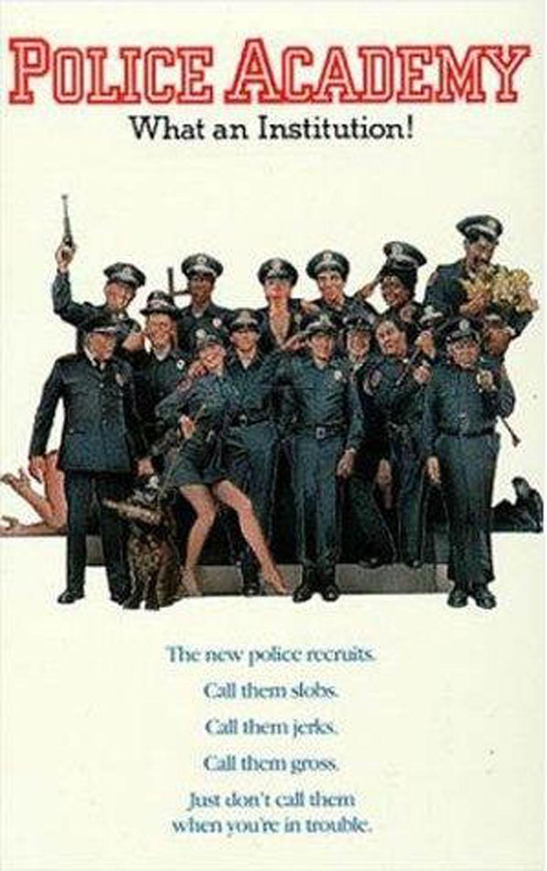 Vuelve Loca academia de policía