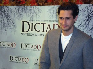 Juan Diego Botto en Dictado photocall