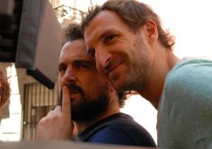 Nacho Vigalondo y Julián Villagrán en el rodaje de Extraterrestre