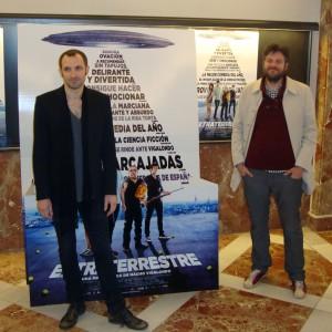 Raúl Cimas y Julian Villagran en la presentación de Extraterrestre