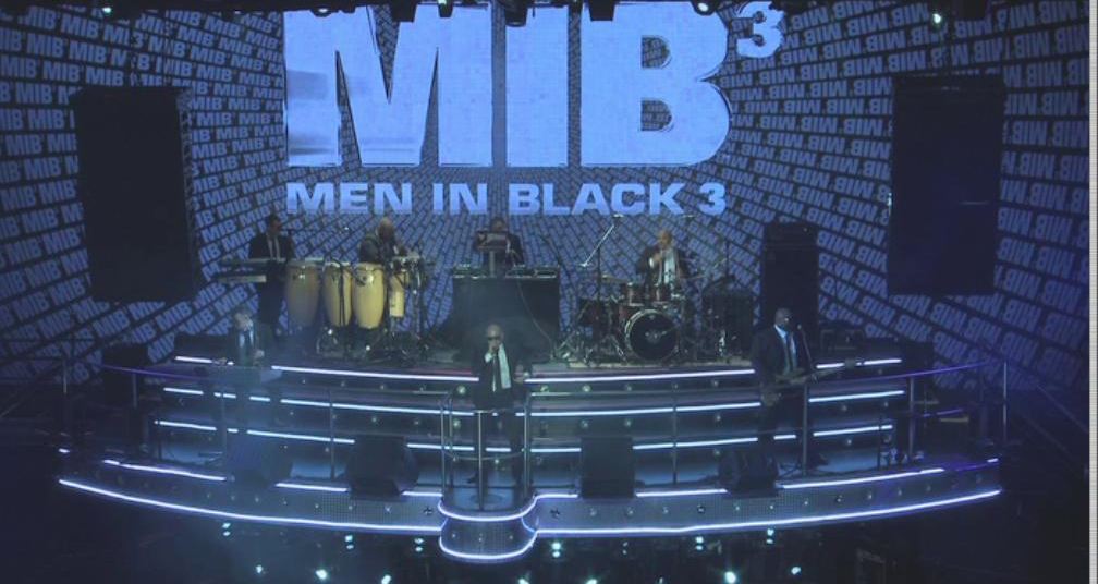 Pitbull ya interpreta el tema de MIB 3 en directo