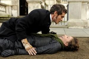 Hugh Dancy y Maggie Gyllenhaal en Hysteria