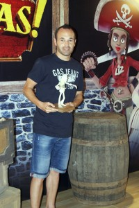 Andrés Iniesta en la presentación de ¡Piratas! (3)