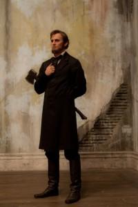 Benjamin Walker en Abraham Lincoln: Cazador de vampiros (2)