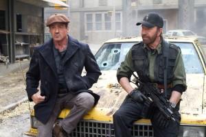 Sylvester Stallone y Chuck Norris en Los mercenarios 2