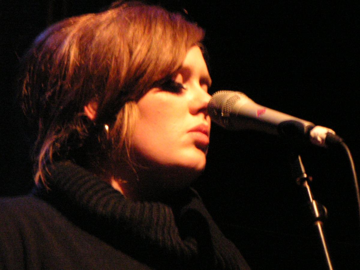Adele ya trabaja en el tema central de Skyfall