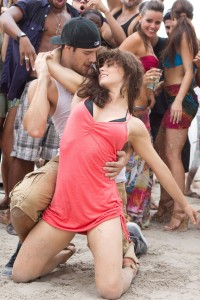 Ryan Guzman y Katrina McCormick en Step up: Revolution