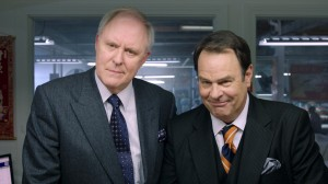 John Lithgow y Dan Aykroyd en En campaña todo vale