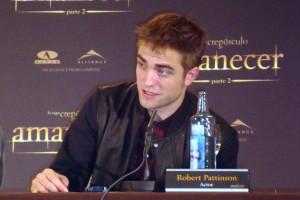 Robert Pattinson en la rueda de prensa Amanecer parte 2
