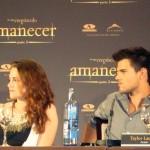 Kristen Stewart y Taylor Lautner en la rueda de prensa Amanecer parte 2
