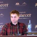 Robert Pattinson en la rueda de prensa Amanecer parte 2 (2)