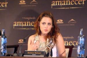 Kristen Stewart en la rueda de prensa Amanecer parte 2