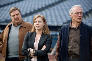John Goodman, Amy Adams, y Clint Eastwood en Golpe de efecto