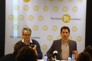 Paco León y Juan Carlos Tous en la presentación de la edición especial de Carmina o revienta