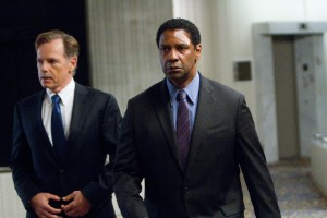 Bruce Greenwood y Denzel Washington en El vuelo (Flight)