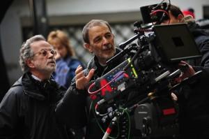 Fernando Colomo y José Luis Alcaine en el rodaje de La banda Picasso