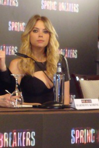 Ashley Benson en la rueda de prensa Spring Breakers