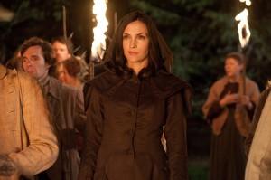 Famke Janssen en Hansel y Gretel: Cazadores de brujas