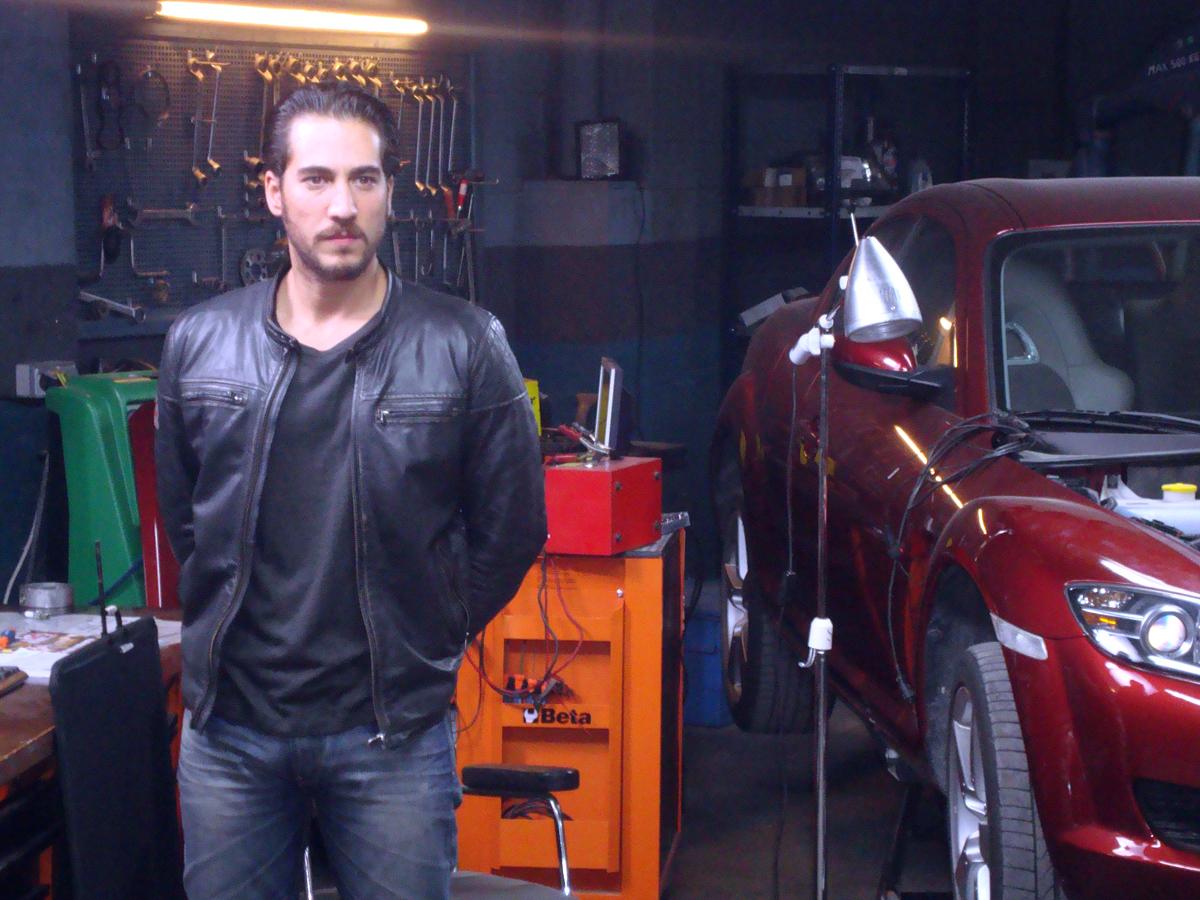 Alberto Ammann: «Fue muy divertido hacer el macarra con un coche»