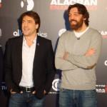 Javier Bardem y Hovik Keuchkerian en la presentación de Alacrán Enamorado