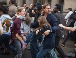 Mireille Enos y Brad Pitt en Guerra Mundial Z