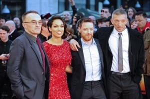 Danny Boyle, Rosario Dawson, James McAvoy, y Vincent Cassel en la premier en Londres de Trance