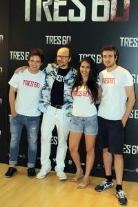 Adam Jezierski, Santiago Segura, Sara Sálamo, y Raúl Mérida en la presentación de Tres 60