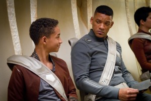 Jaden Smith y Will Smith en After Earth