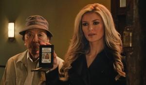James Hong y Marisa Miller en R.I.P.D. Departamento de Policía Mortal