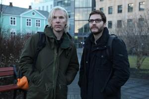 Benedict Cumberbatch y Daniel Brühl en El quinto poder (Dentro de Wikileaks)