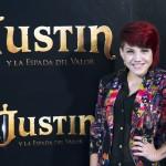 Angy en la presentación de Justin y la espada del valor