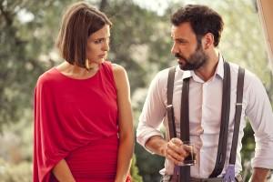 Verónica Echegui y Miquel Fernández en La gran familia española
