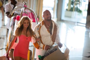Bar Paly y Dwayne Johnson en Dolor y dinero