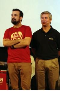Nacho Vigalondo y un directivo de Panda Security en la presentación de sus nuevos productos