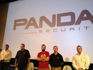 Nacho Vigalondo junto a los directivos de Panda Security en la presentación de sus nuevos productos