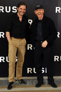 Daniel Brühl y Ron Howard en la presentación de Rush