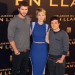 Liam Hemsworth, Jennifer Lawrence, y Josh Hutcherson en la presentación de Los juegos del hambre: En llamas (2)