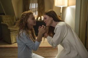 Chloë Grace Moretz y Julianne Moore en Carrie (2013)