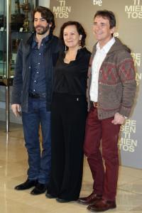 Eduardo Noriega, Clara Sánchez, y Santiago Tabernero en la presentación de Presentimientos (2)