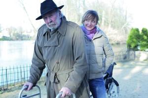 Jean-Pierre Marielle y Julie Ferrier En la flor de la vida