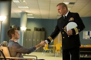 Chris Pine y Kevin Costner en Jack Ryan: Operación Sombra