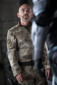 Jackie Earle Haley en RoboCop (2014)