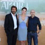 Daniele Liotti, Paloma Bloyd, y Joaquín Llamas en la presentación de Perdona si te llamo amor