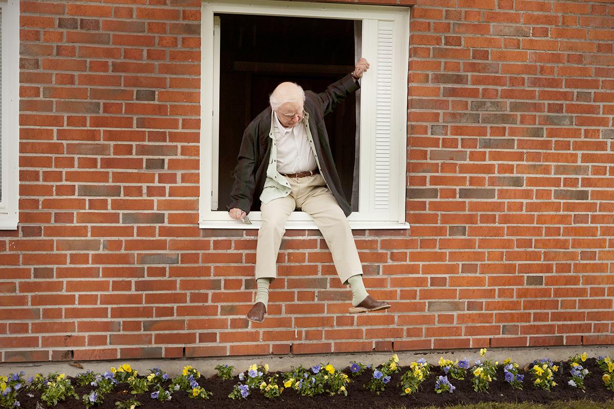 Robert Gustafsson en El abuelo que saltó por la ventana y se largó (2)