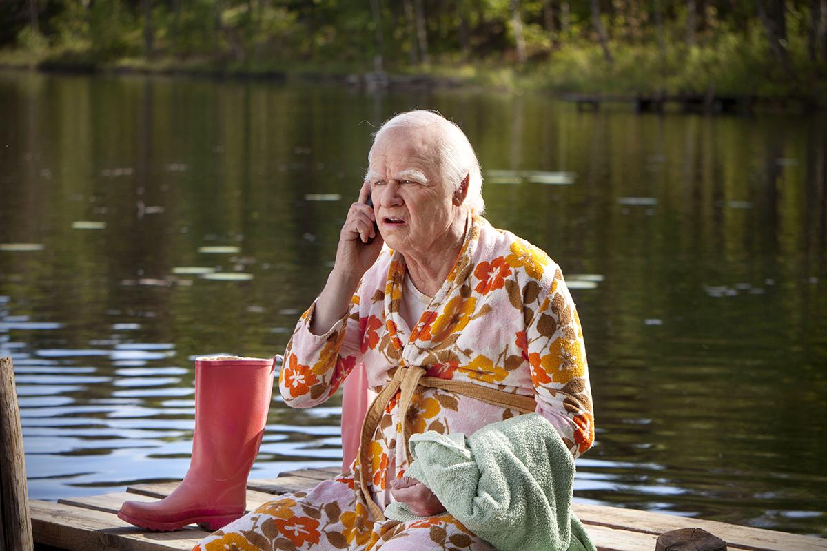 Robert Gustafsson en El abuelo que saltó por la ventana y se largó