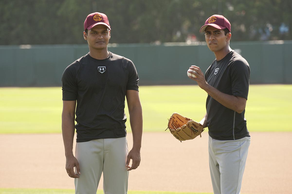 Madhur Mittal y Suraj Sharma en El chico del millón de dólares