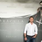 Luke Evans en la presentación de Drácula: La leyenda jamás contada (4)