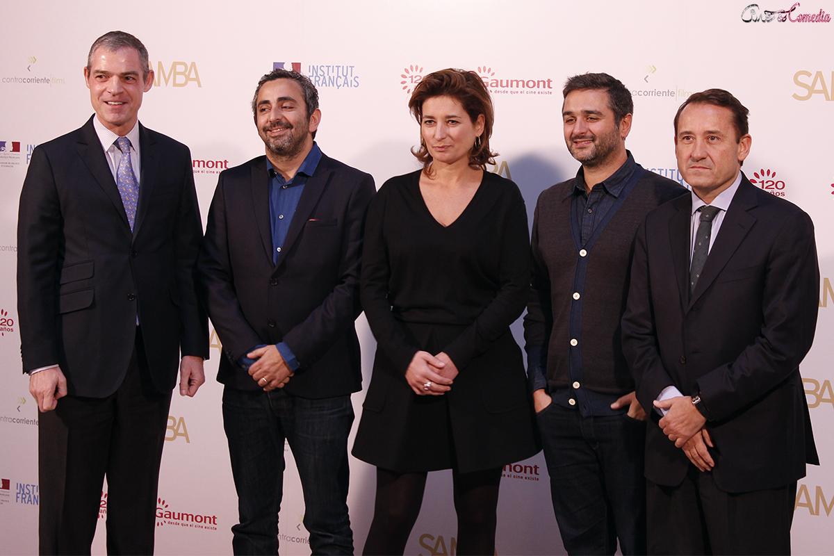 Jérome Bonnafont, Eric Toledano, Sidonie Dumas, Olivier Nakache, y Adolfo Blanco en la presentación de Samba