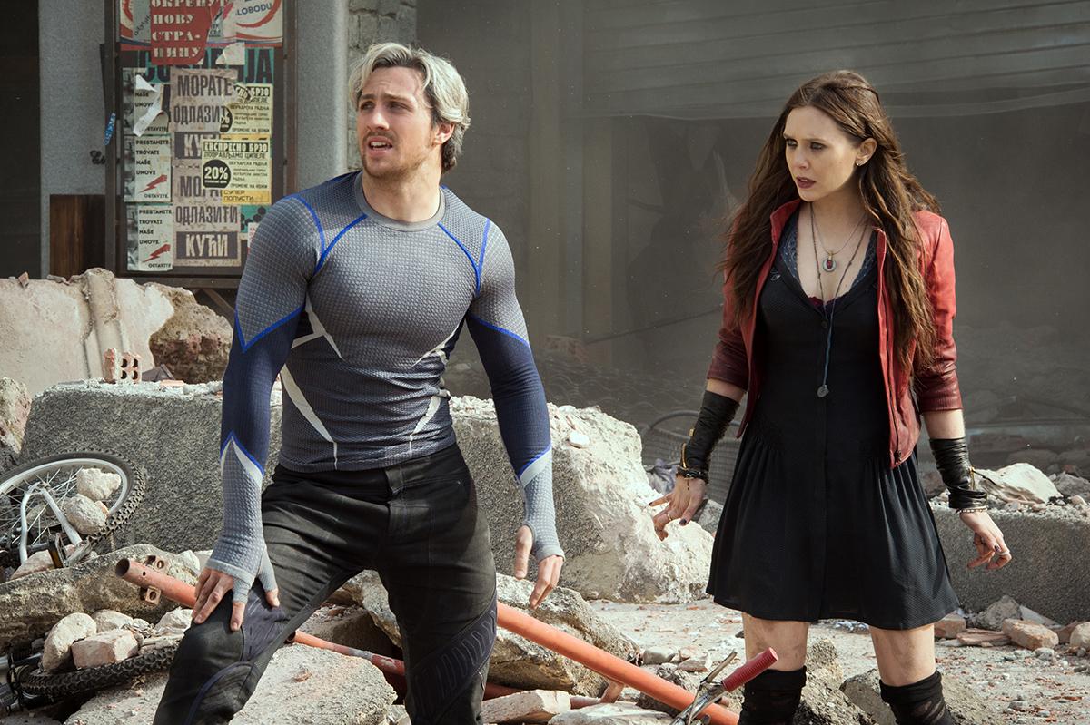 Aaron Taylor-Johnson y Elizabeth Olsen en Vengadores: La era de Ultrón