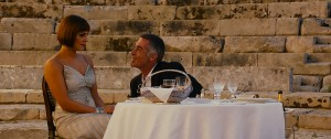 Annabel Scholey y Greg Wise en Walking on Sunshine
